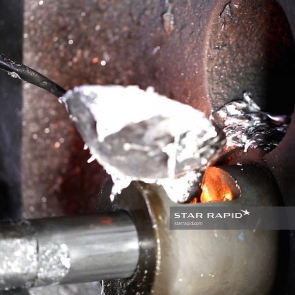die-casting-pouring