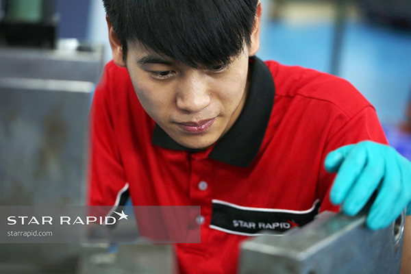 Star Rapid plastic injection molding technician