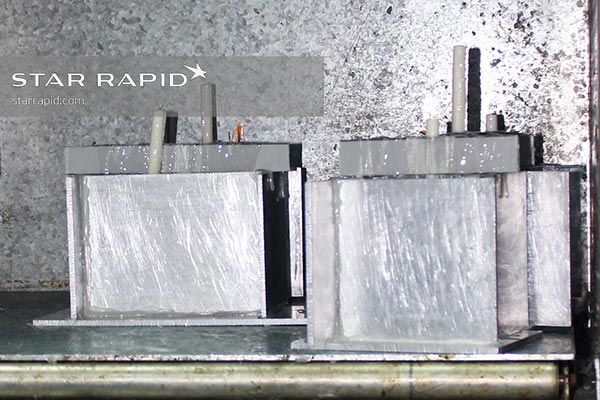Vacuum casting molds drying at Star Rapid