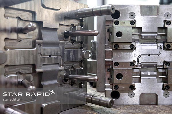 Mold tools for hinge lid clasps